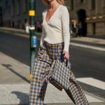 2020 Bayan Ekose Pantolon Kombinleri Mavi Bol Kesim Cepli Pantolon Beyaz V Yakalı Kazak