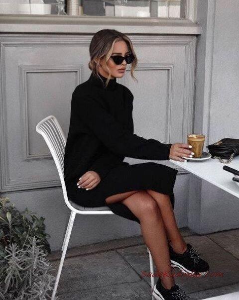 2020 Bayan Örgü Elbise Modelleri Siyah Midi Boğazlı Yandan Yırtmaçlı
