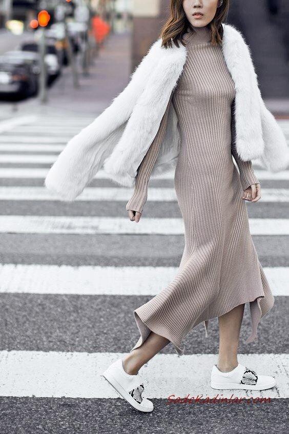2020 Bayan Örgü Elbise Modelleri Vizon Kayık Yaka Asimetrik Etekli