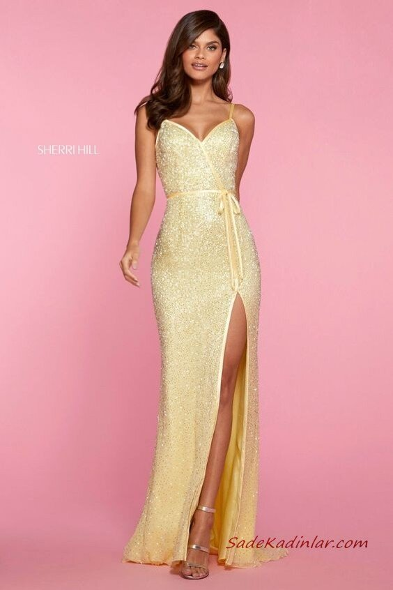 2020 Sherri Hill Abiye Modelleri Sarı Uzun İp Askılı V Yakalı Derin Yırtmaçlı