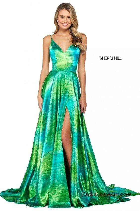 2020 Sherri Hill Abiye Modelleri Yeşil Uzun İp Askılı V Yakalı Kloş Etekli Yırtmaçlı