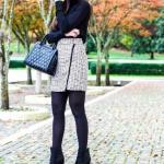 2020 Tüvit Etek Kombinleri Krem Mini Desenli Etek Siyah Boğazlı Kazak Topuklu Kısa Bot