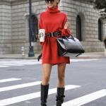 2020 2021 Kazak Elbise Kombinleri Kırmızı Mini Boğazlı Kemerli Elbise Siyah Deri Topuklu Çizme El Çantası