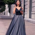 2020 En Şık Düğün Elbiseleri ve Abiye Kıyafetler Siyah Uzun Askılı V Yakalı Kloş Etekli