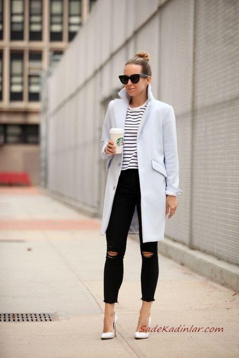 2020 Günlük Şık Kombinler Siyah Yırtık Pantolon Çizgili Bluz Bebek Mavisi Uzun Kaşe Kaban Beyaz Stiletto Ayakkabı