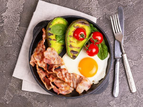 Ketojenik diyet hangi besinleri içermektedir?