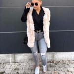 2020 Bayan Spor Kombinler Gri Yırtık Pantolon Siyah Gömlek Krem Yelek Beyaz Spor Ayakkabı