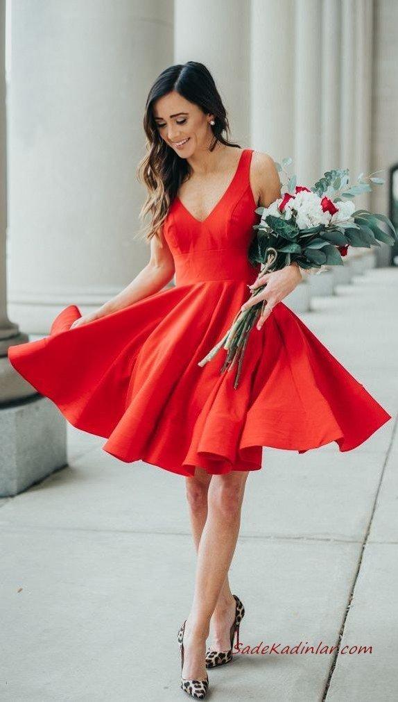 2020 Sevgililer Günü İçin Abiye Elbise Modelleri Kırmızı Mini Askılı V Yakalı Kloş Etekli