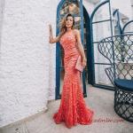 2020 Uzun Abiye Elbise Modelleri Turuncu Uzun Halter Yaka İşlemeli
