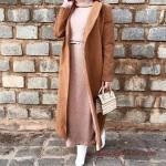 2020 Bayan Tesettür Kombinleri Kahverengi Uzun Boğazlı Kemerli Triko Elbise Camel Uzun Kaşe Kaban Beyaz Kısa Topuklu Bot