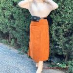 2020 Bayan Tesettür Kombinleri Taba Uzun Asimetrik Detaylı Etek Krem Boğazlı Kazak Topuklu Kısa Bot