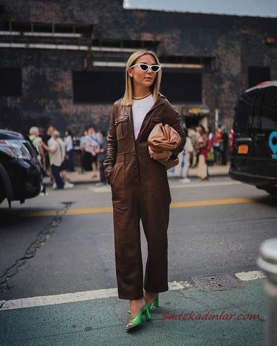 2020-2021 Deri Tulum Modelleri Kahverengi Uzun Kollu V Yakalı Cepli Bol Kesim Deri Tulum Yeşil Topuklu Ayakkabı