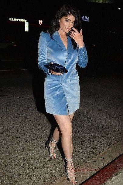 2020 En Trend Mavi Renk Elbise Kombinleri Mavi Mini Kadife Uzun Kollu V Yakalı Ceket Elbise Gümüş Stiletto Ayakkabı