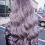 2020 En Trend Saç Renkleri ve Saç Modelleri Leylak Uzun Dalgalı Saç Modeli