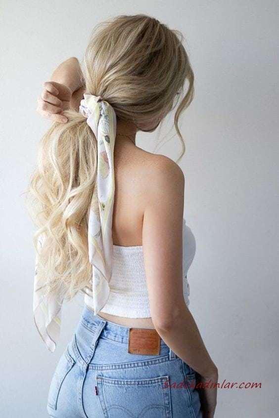 2020 Günlük Şık Kolay Saç Modelleri Sarı Uzun Dalgalı Düşük At Kuyruğu