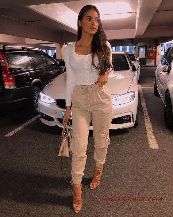 2020 Kargo Pantolon Modelleri İle Günlük Kombinler Krem Pantolon Beyaz Uzun Kollu Bluz Krem Stiletto Ayakkabı