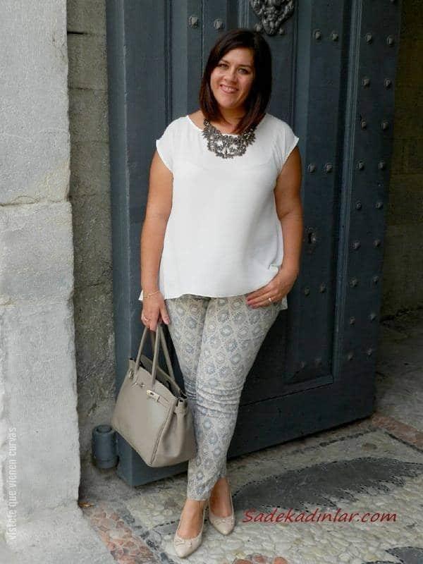 2021 Büyük Beden Günlük İş Kıyafet Kombinleri Gri Desenli Pantolon Beyaz Japone Kollu Bluz Krem Stiletto Ayakkabı